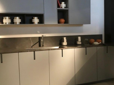 Современная кухня. Фасады пластик Fenix.