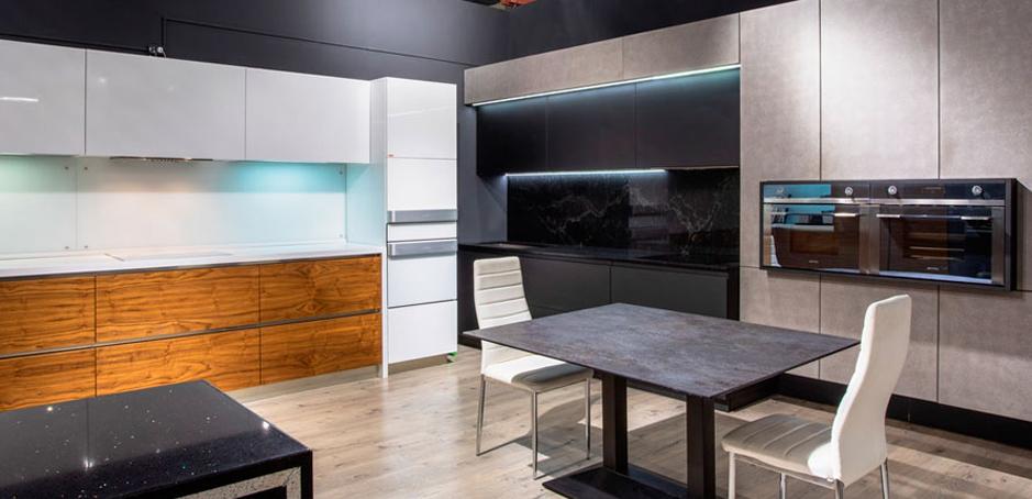 Кухни с радиусными фасадми
