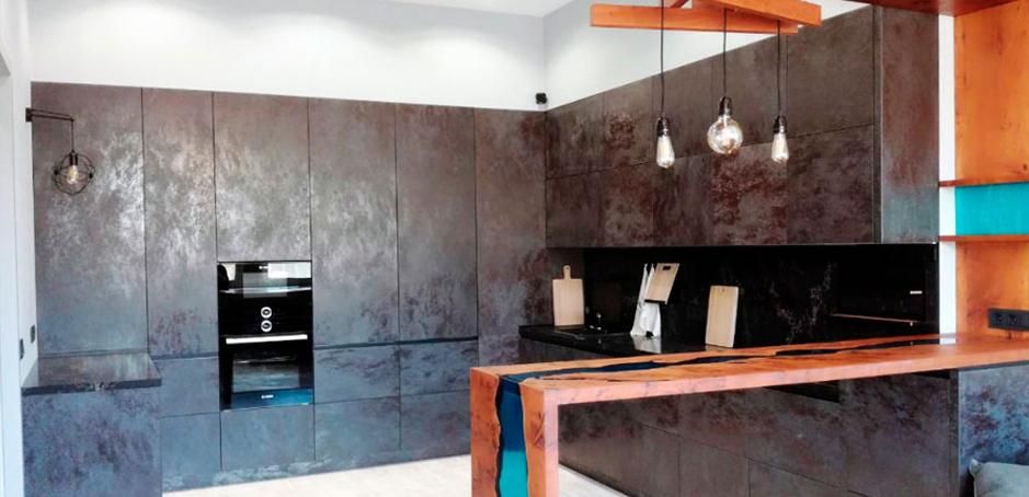 Роскошные классические кухни из массива